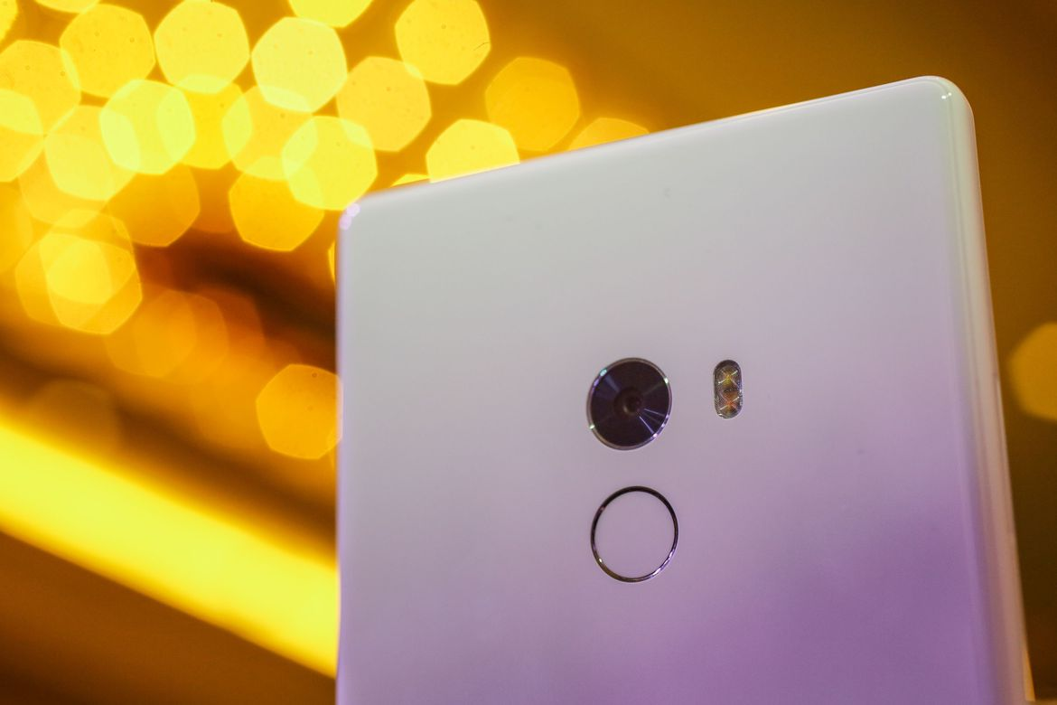 Xiaomi Mi Mix sold out in less than a minute