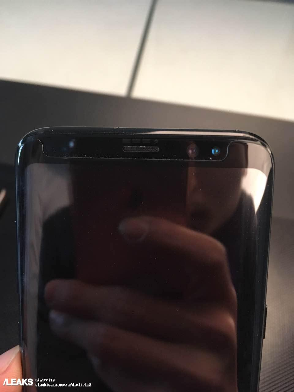 Real Life Images Show Galaxy S8 & S8 Plus Side by Side 1
