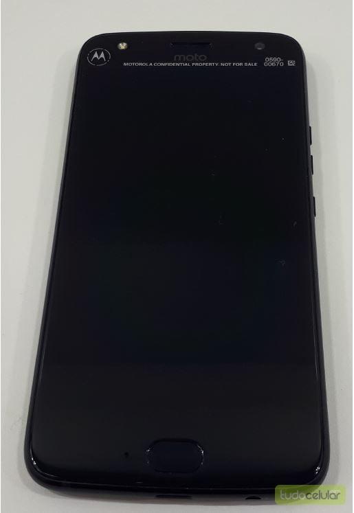Moto X4 Real Life Image