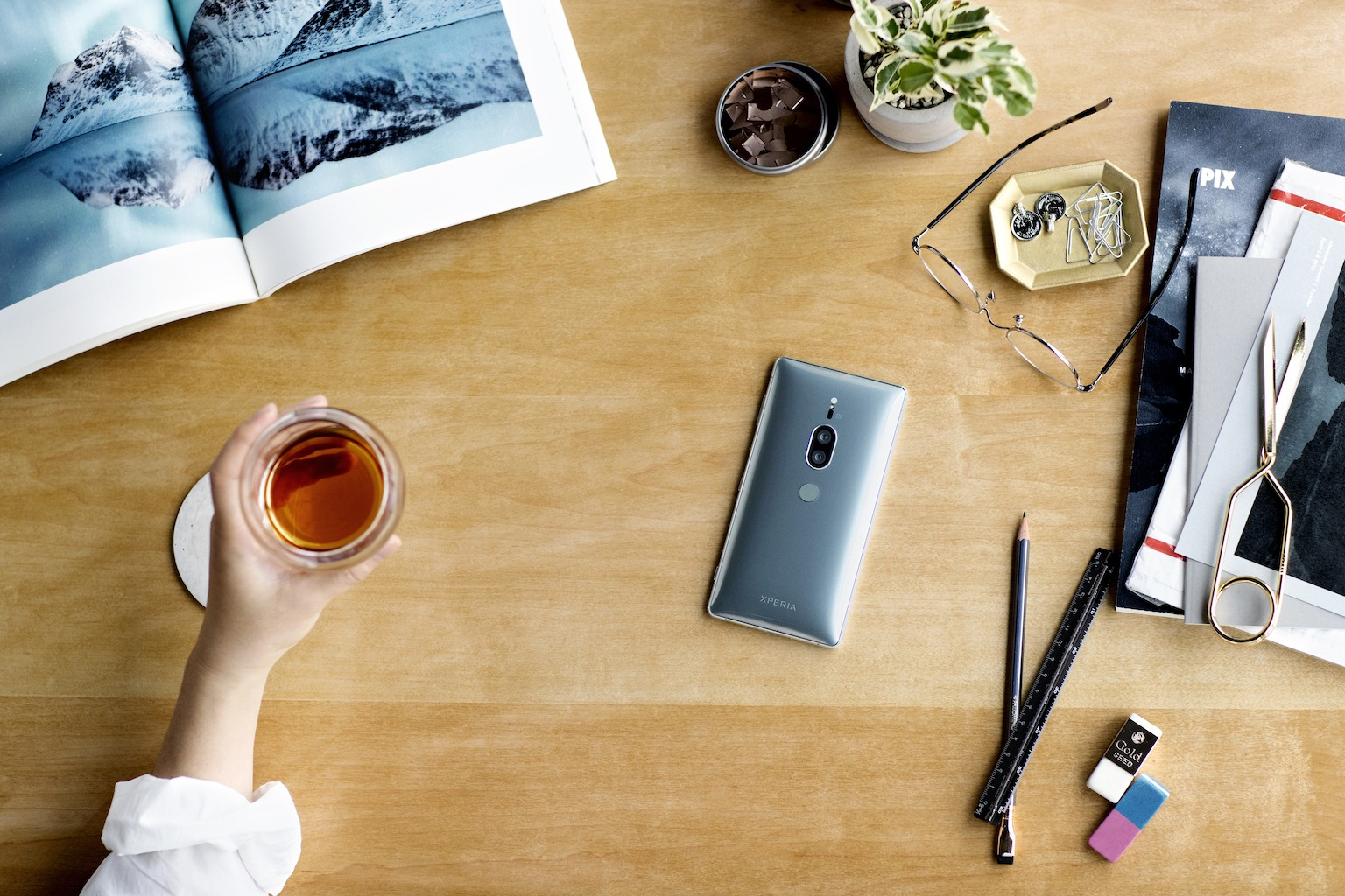 Sony Xperia XZ2 Premium has dual cameras & 4K HDR 16:9 display 1
