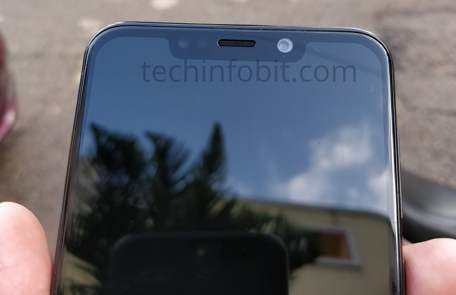 Moto One Power has a notch display
