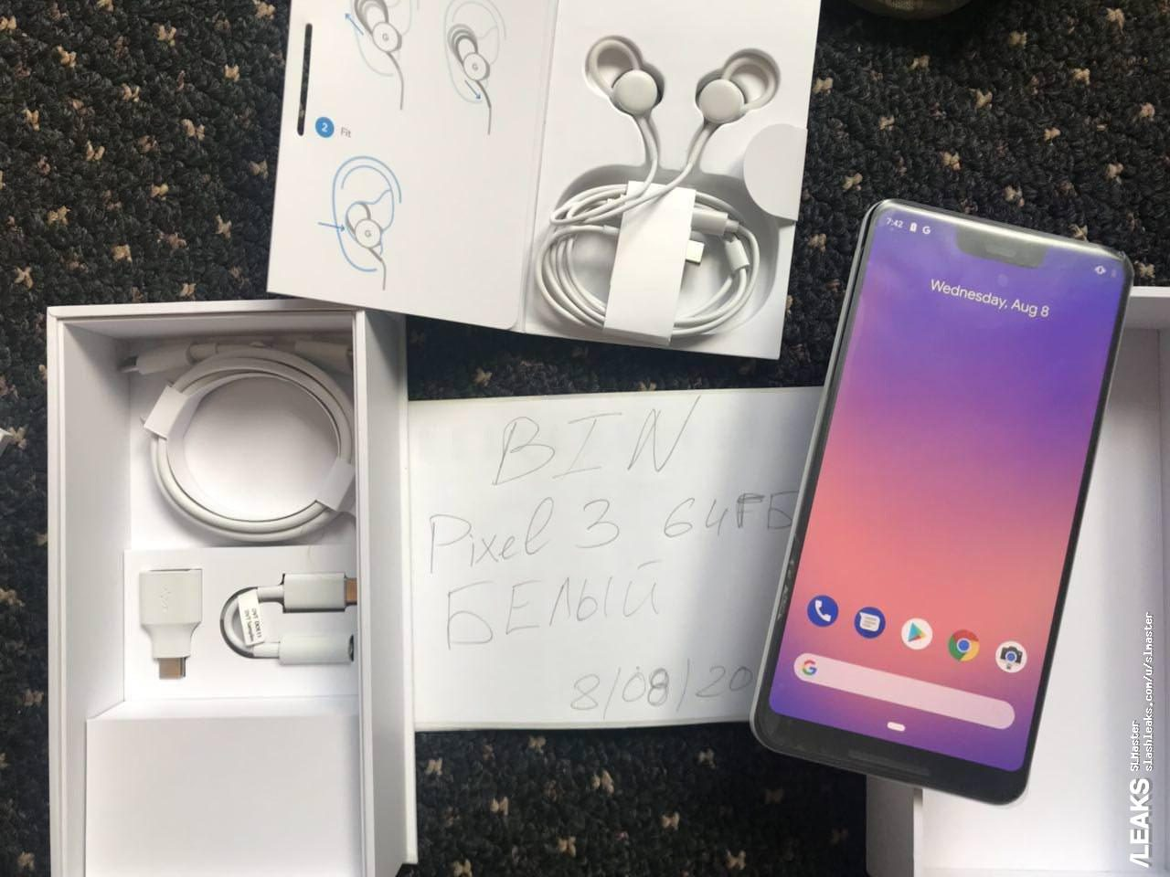 Clearly White Google Pixel 3 XL gets the unboxing treatment 1