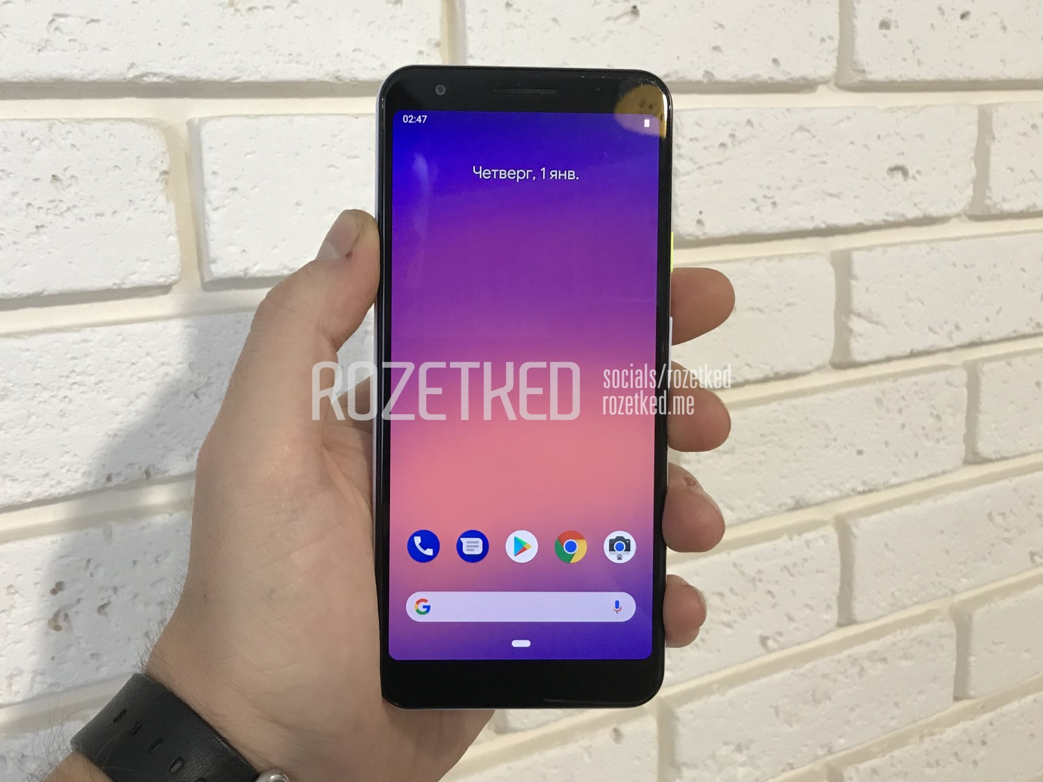 Google Pixel 3 Lite with Snapdragon 670 & 3.5mm jack smiles for the camera